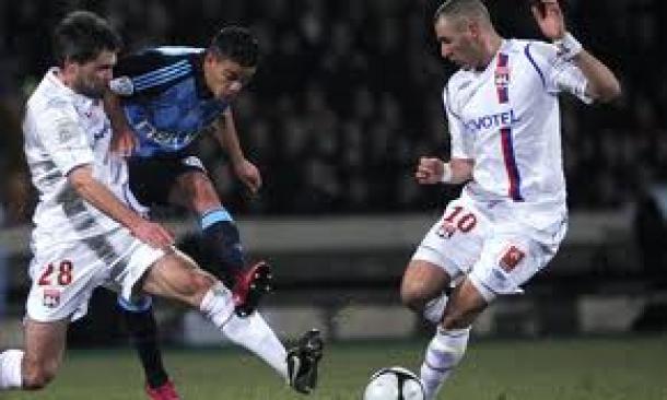 Prediksi  Skor Pertandingan Lyon Vs Marseille 16 Desember 2013