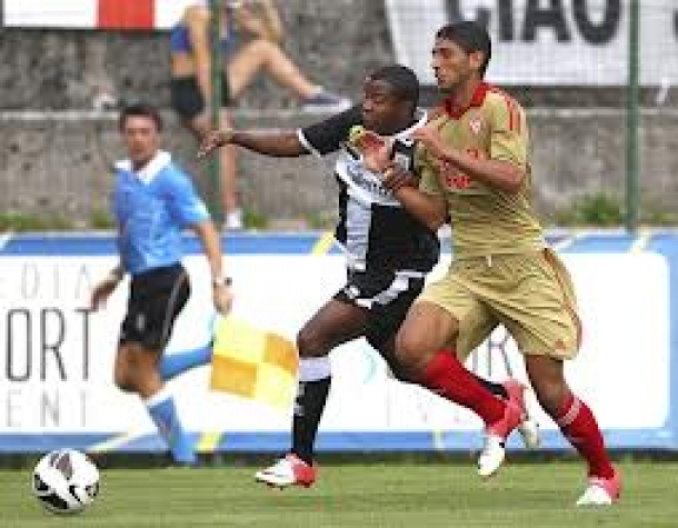 Prediksi Skor Pertandingan Parma Vs Varese  4 DesEmber 2013