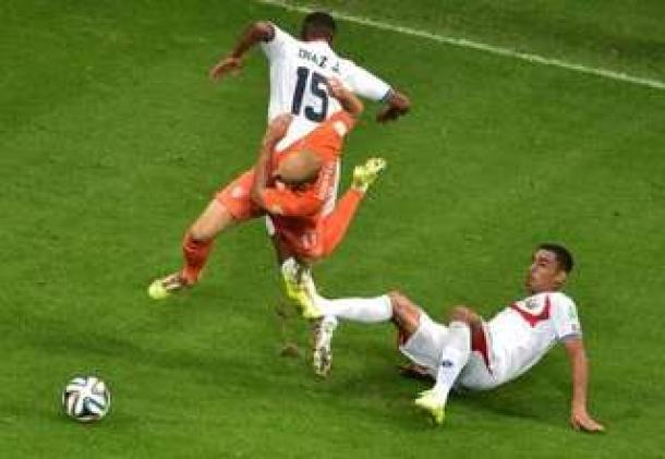 Patrick Kluivert Berikan Tantangan Terhadap Argentina Untuk Hentikan Pergerakan Arjen Robben