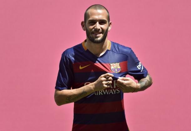 Vidal Menginginkan Alves Tetap Bertahan Di Barca