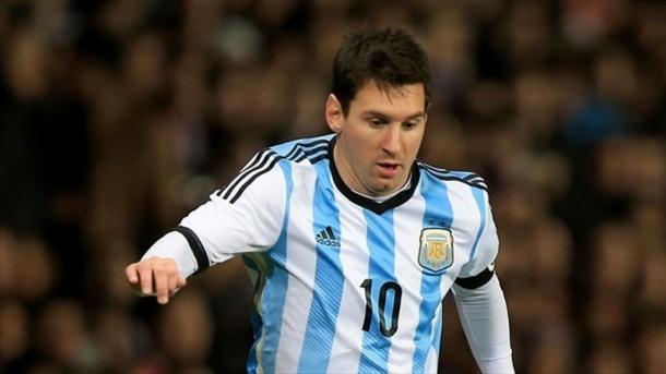 Jangan Selalu Memanjakan Messi