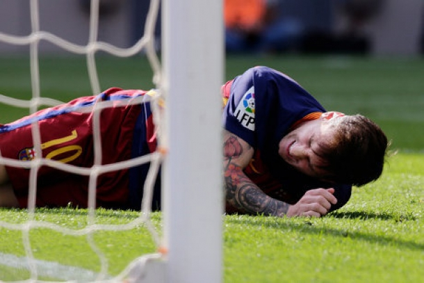 Pedro Mendoakan Messi Setelah Mencederainya