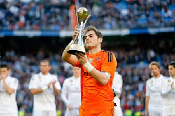 Casillas Akan Ikuti Jejak Gerrard Dan Lampard