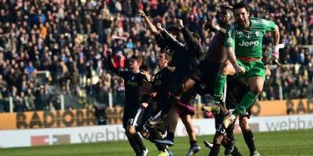 Sarri Sebut Juventus Favorit Scudetto